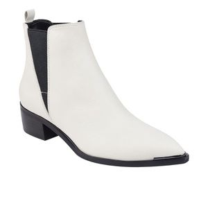 Marc Fisher Yale booties in Ivory 6M